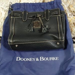 Small Dooney & Bourke purse with Duster